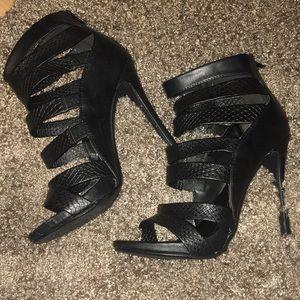 Delicious Shoes - Strappy heels